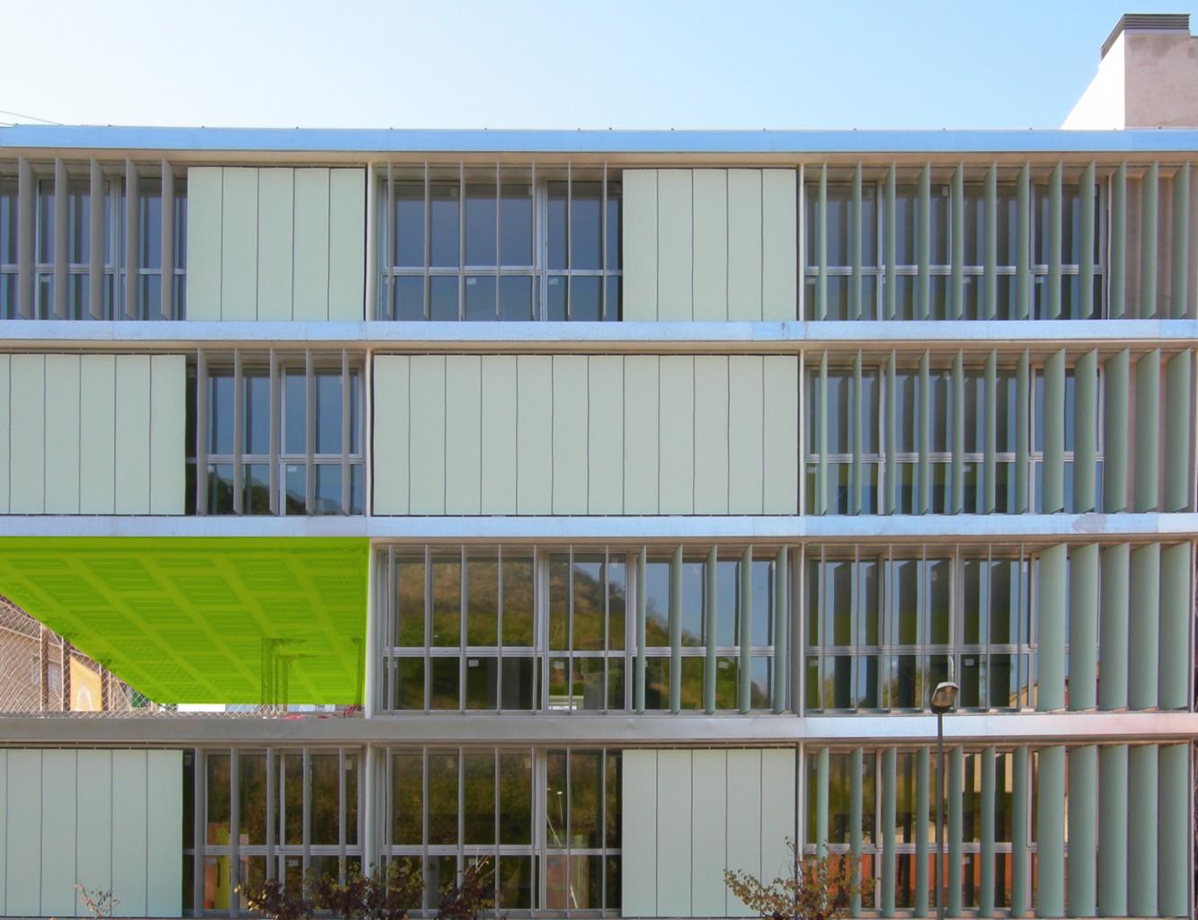 Edificio Madre de Deu Blanca Lleó 03