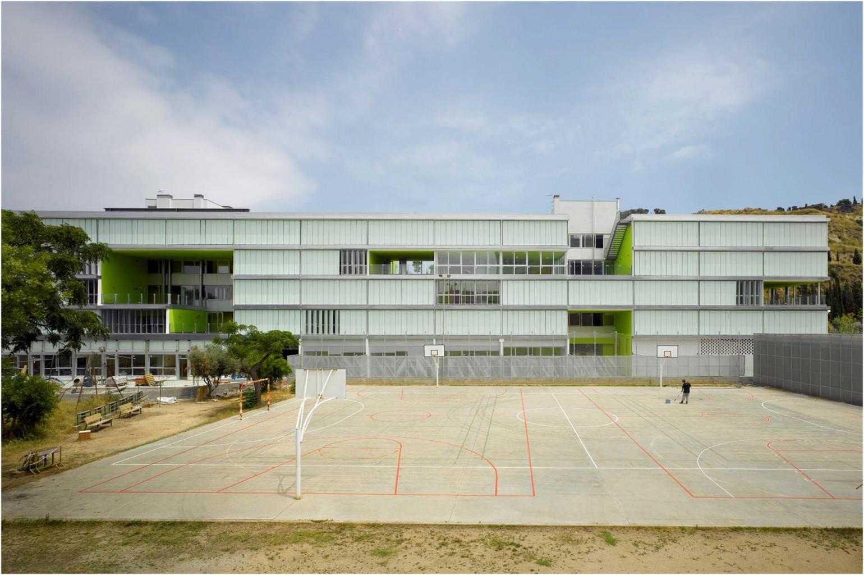 Edificio Madre de Deu Blanca Lleó 00b